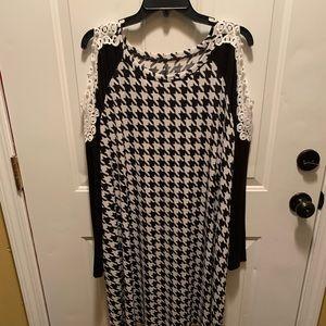 Dresses & Skirts - Black & White (3XL) Dress